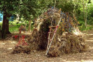 Compost-hut2